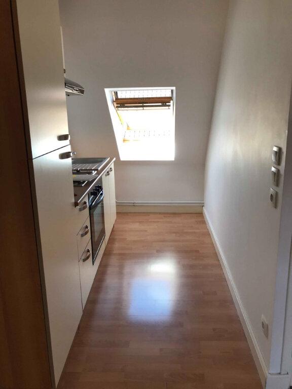 Appartement à louer 2 37.6m2 à Hazebrouck vignette-4