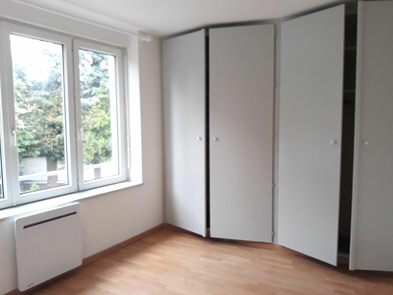 Appartement à louer 2 32m2 à Hazebrouck vignette-4