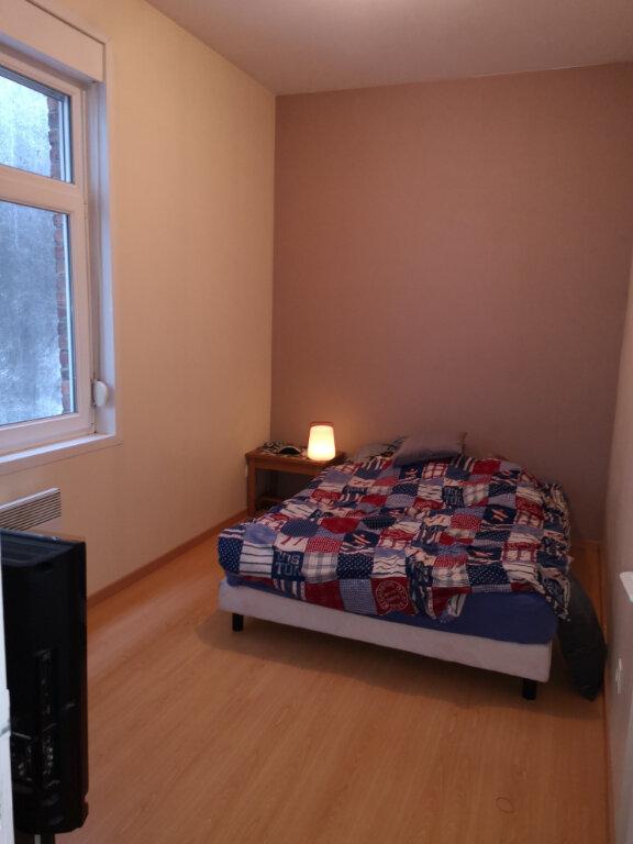 Appartement à louer 3 65.5m2 à Hazebrouck vignette-3