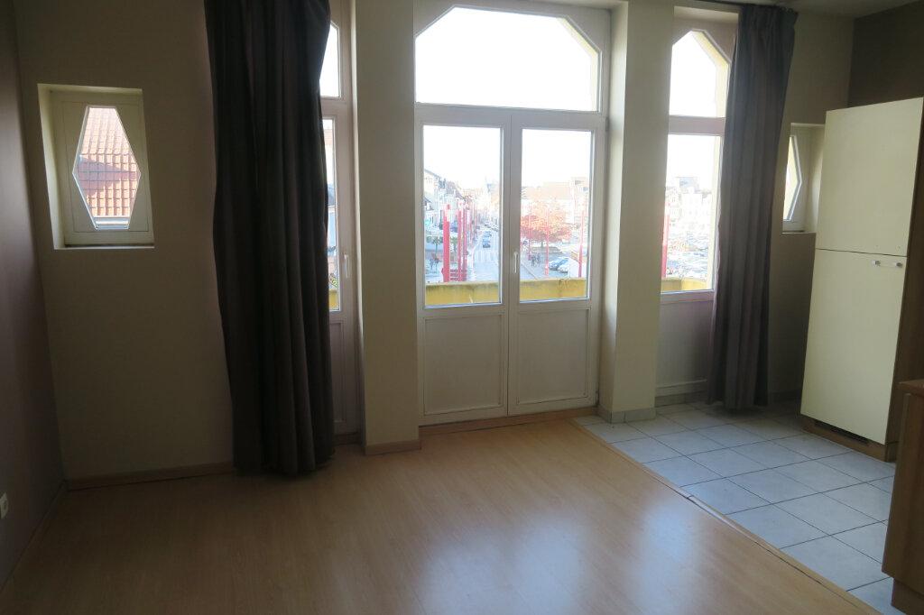 Appartement à louer 3 65.5m2 à Hazebrouck vignette-5