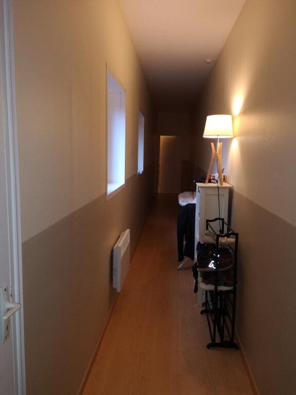 Appartement à louer 3 65.5m2 à Hazebrouck vignette-6