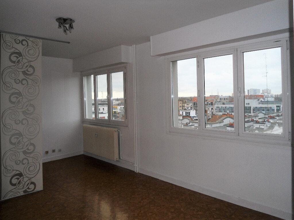Appartement à louer 1 33m2 à La Madeleine vignette-1