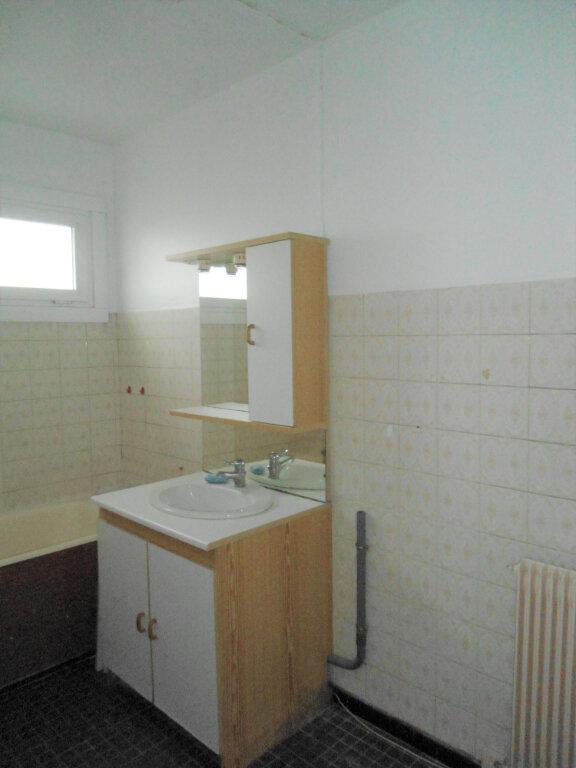 Appartement à louer 1 33m2 à La Madeleine vignette-3