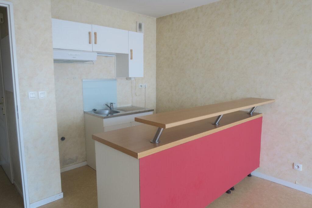 Appartement à louer 2 39m2 à La Chapelle-d'Armentières vignette-4