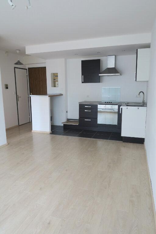 Appartement à louer 1 33m2 à Armentières vignette-3