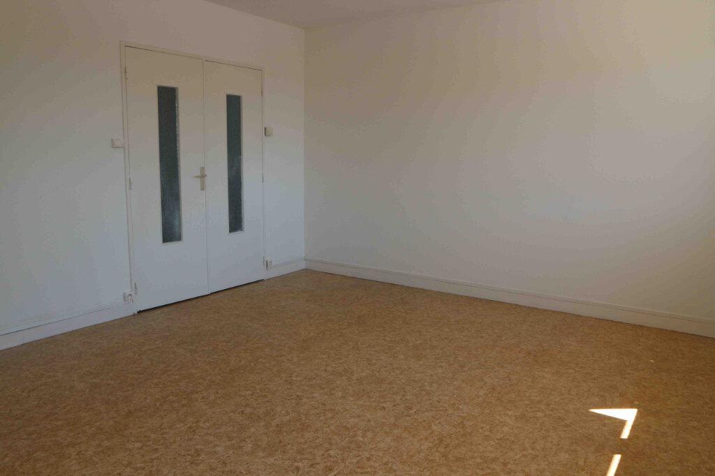 Appartement à louer 3 61m2 à Douai vignette-1