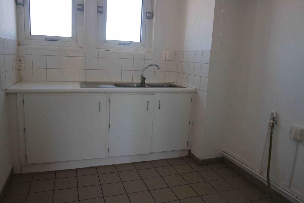 Appartement à louer 3 61m2 à Douai vignette-3