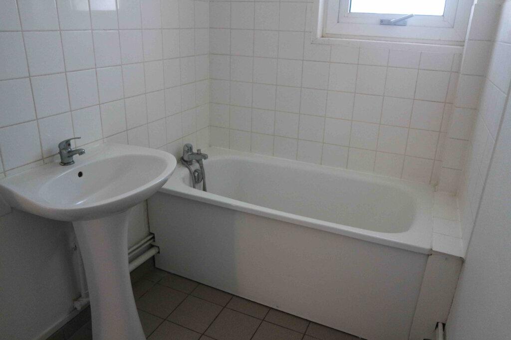 Appartement à louer 3 61m2 à Douai vignette-6