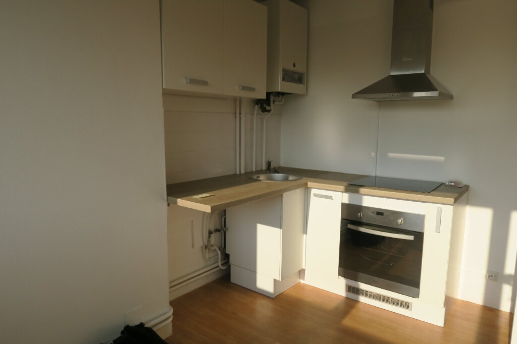 Appartement à louer 3 57m2 à Hazebrouck vignette-2