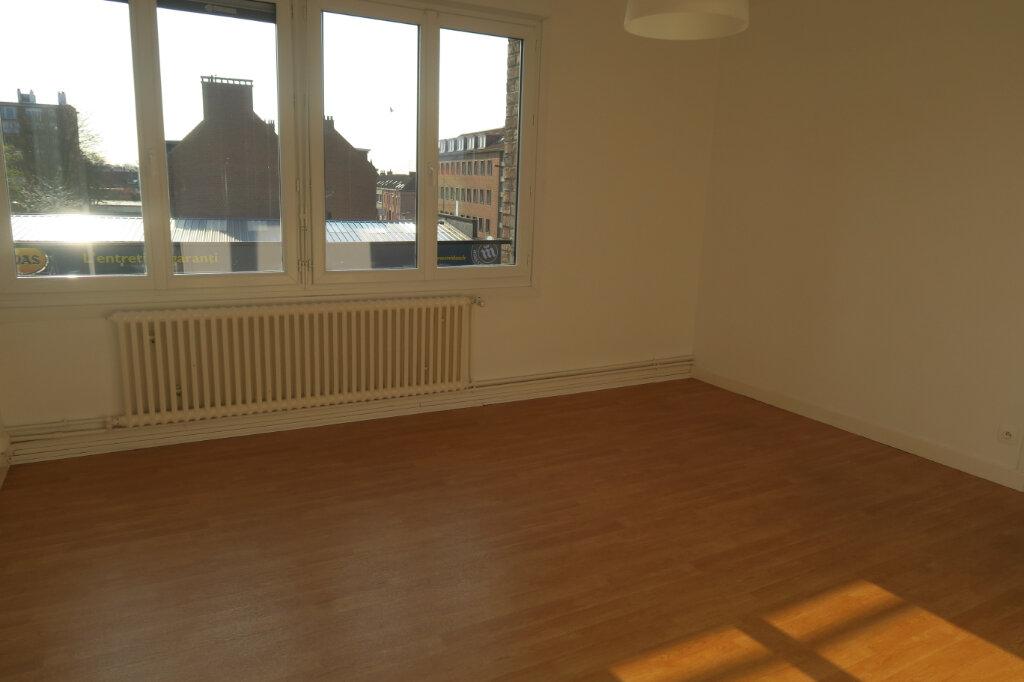 Appartement à louer 3 57m2 à Hazebrouck vignette-6