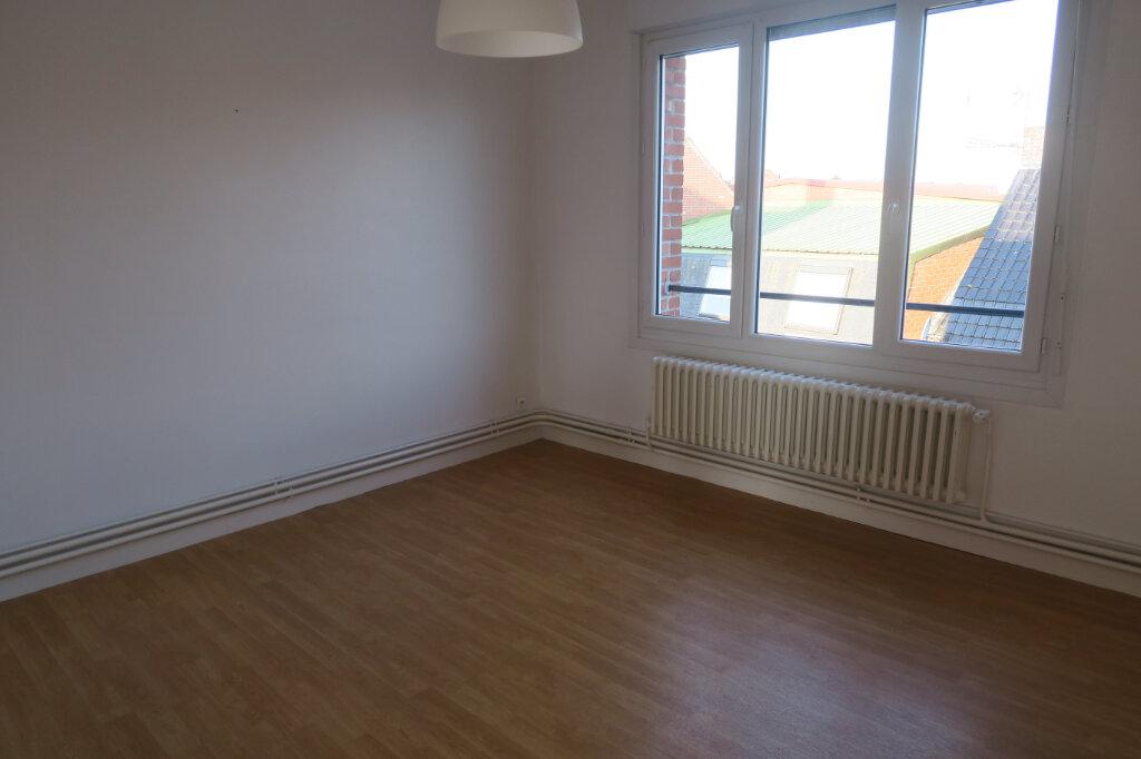 Appartement à louer 3 57m2 à Hazebrouck vignette-9