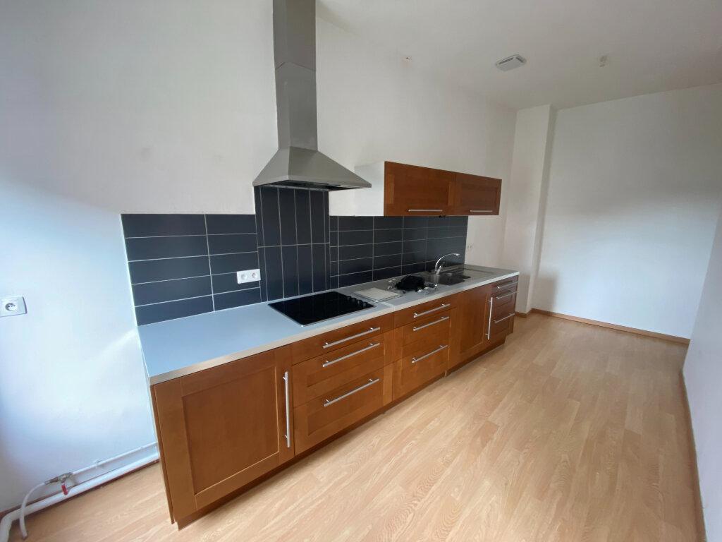 Appartement à louer 3 81m2 à Armentières vignette-3