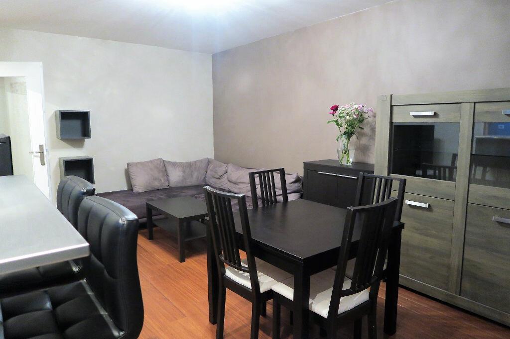 Appartement à louer 2 42m2 à Wattrelos vignette-1