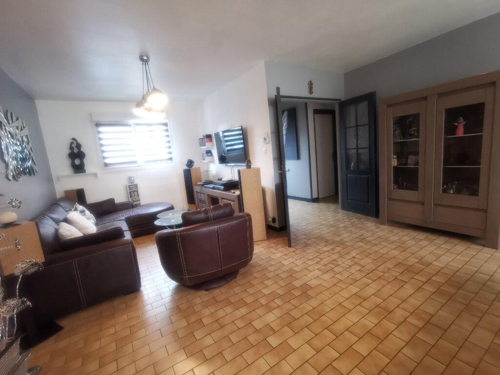 Maison à vendre 4 117m2 à Armentières vignette-4