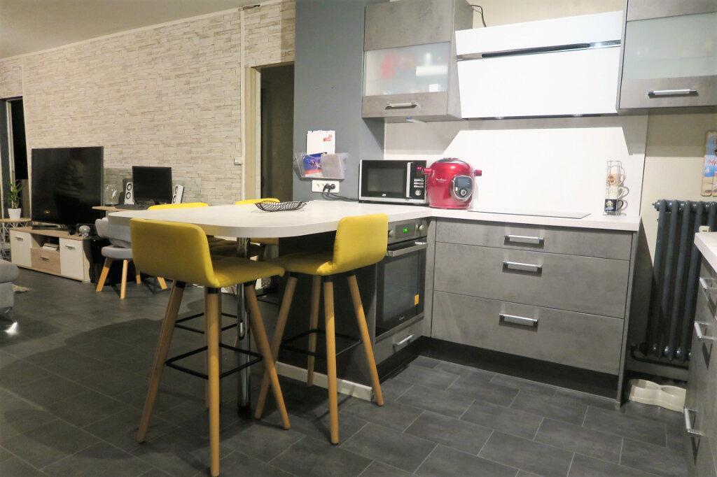 Appartement à louer 3 60m2 à Lys-lez-Lannoy vignette-4