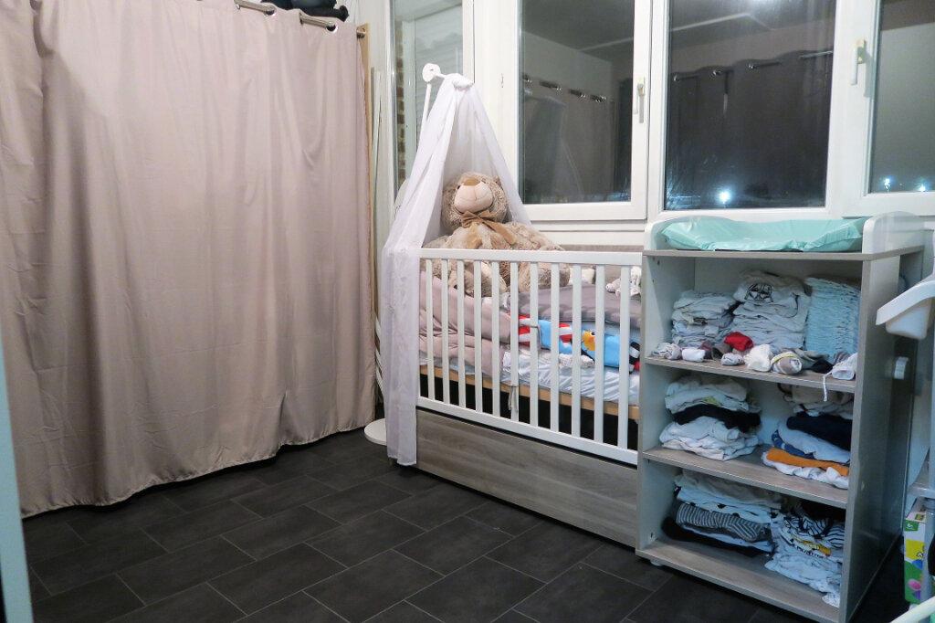 Appartement à louer 3 60m2 à Lys-lez-Lannoy vignette-5