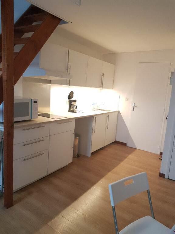 Appartement à louer 1 22.74m2 à Hazebrouck vignette-1