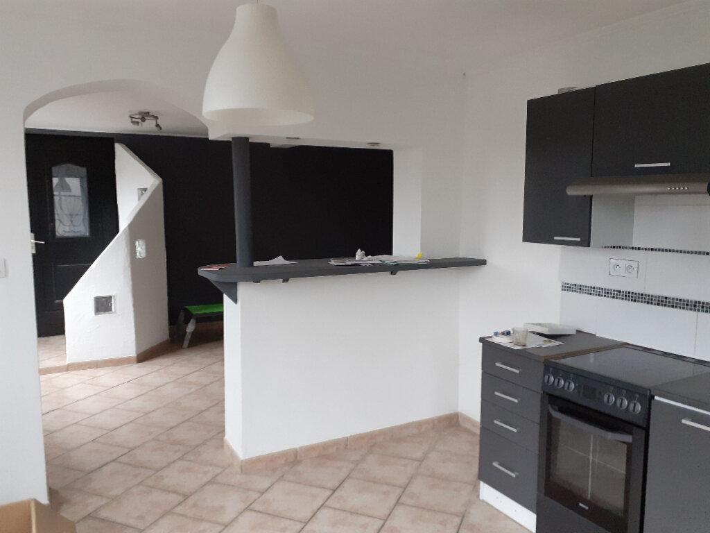Appartement à vendre 3 79.75m2 à Quesnoy-sur-Deûle vignette-2