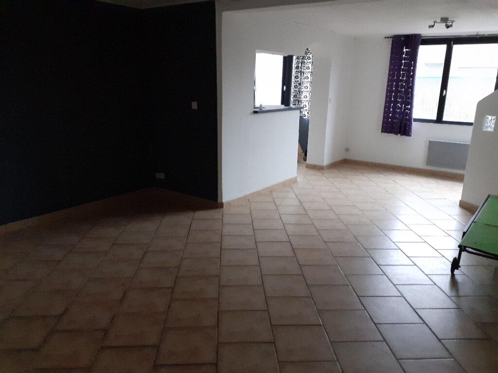 Appartement à vendre 3 79.75m2 à Quesnoy-sur-Deûle vignette-4