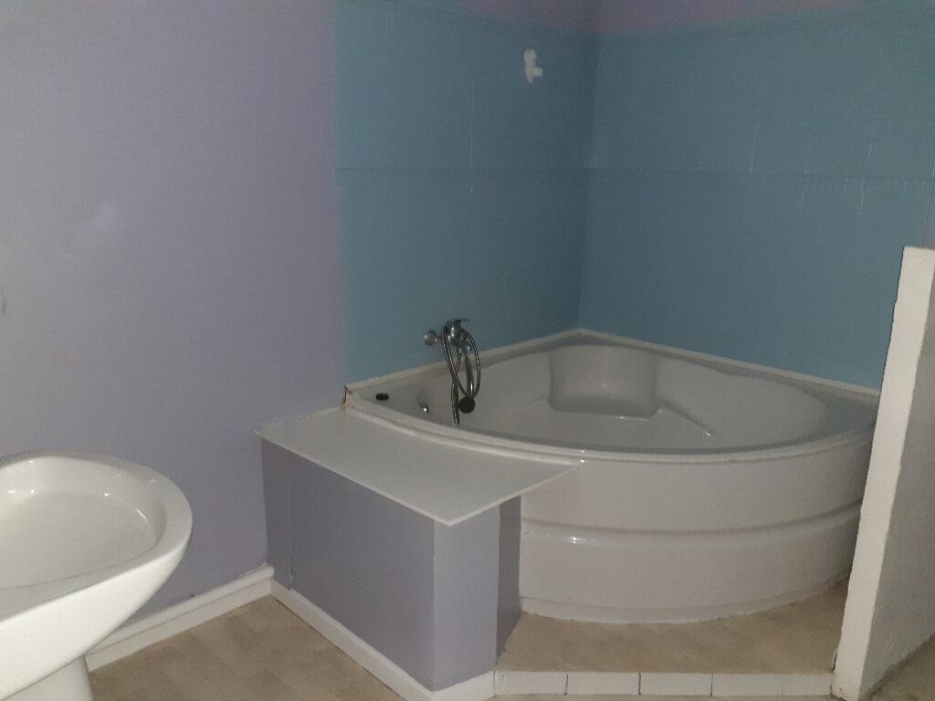 Appartement à vendre 3 79.75m2 à Quesnoy-sur-Deûle vignette-7