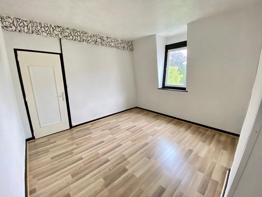 Appartement à louer 4 85m2 à Armentières vignette-2