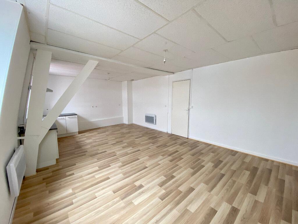 Appartement à louer 4 85m2 à Armentières vignette-4