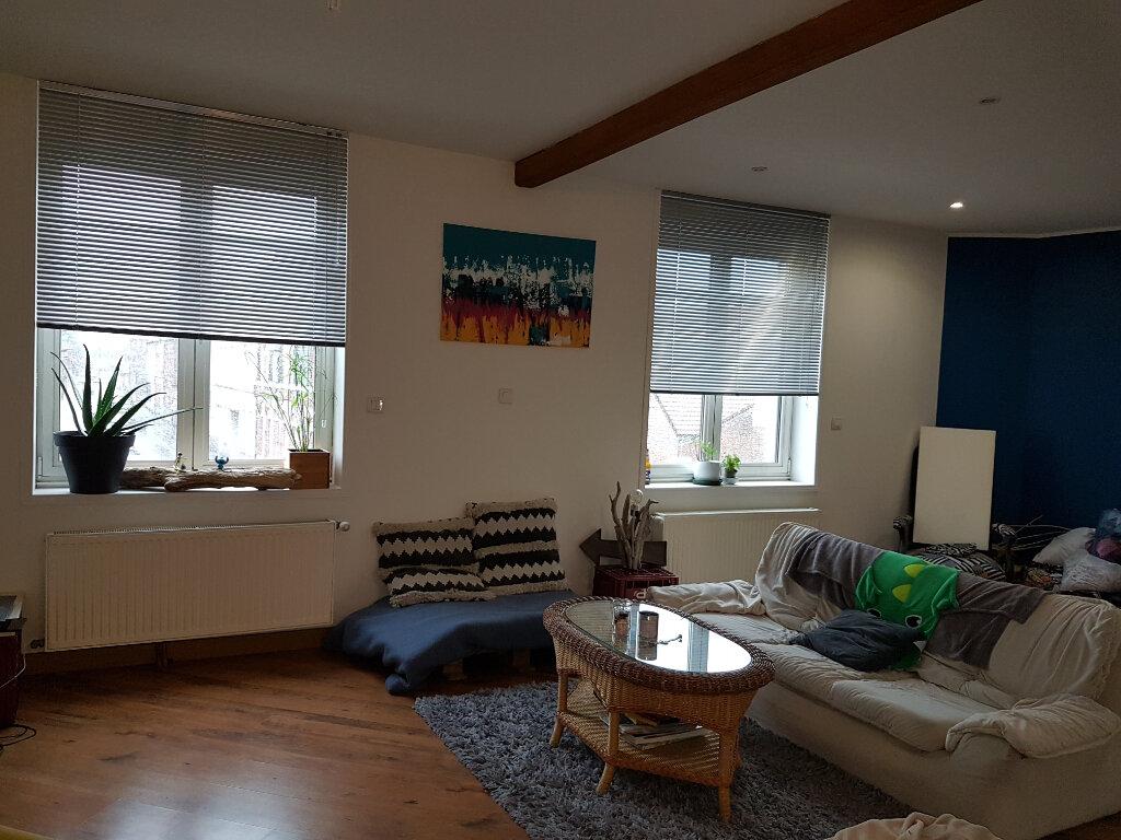 Appartement à louer 4 81m2 à Hazebrouck vignette-1