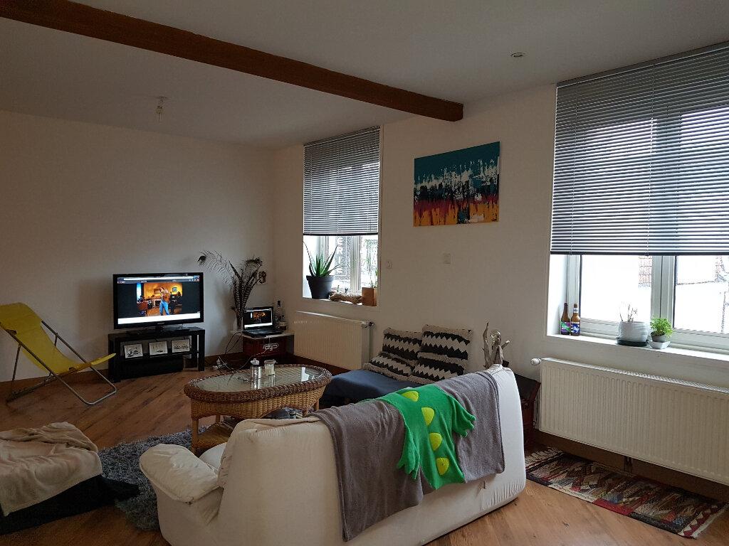 Appartement à louer 4 81m2 à Hazebrouck vignette-2