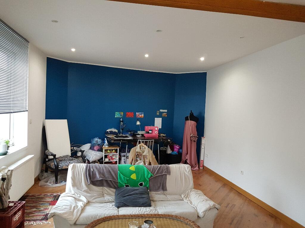 Appartement à louer 4 81m2 à Hazebrouck vignette-3