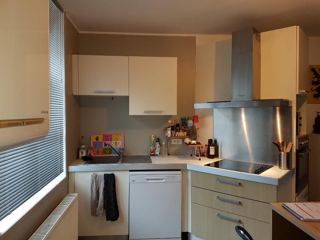 Appartement à louer 4 81m2 à Hazebrouck vignette-4