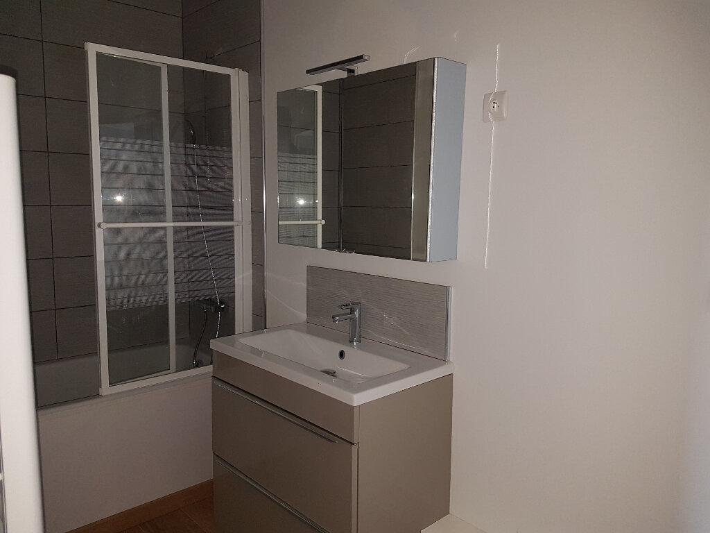 Appartement à louer 4 85m2 à Aire-sur-la-Lys vignette-5