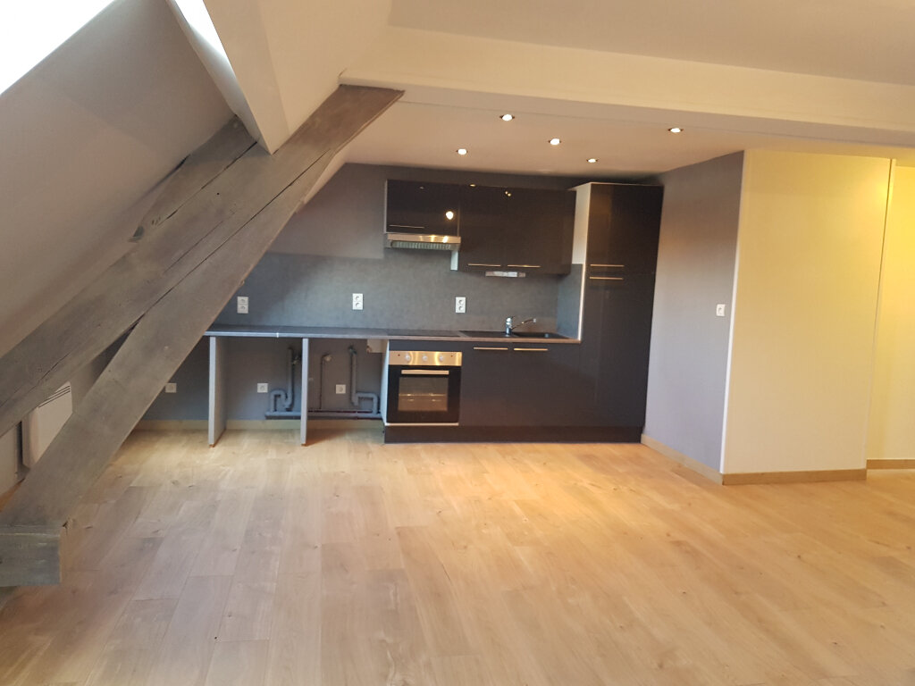 Appartement à louer 4 70m2 à Aire-sur-la-Lys vignette-2