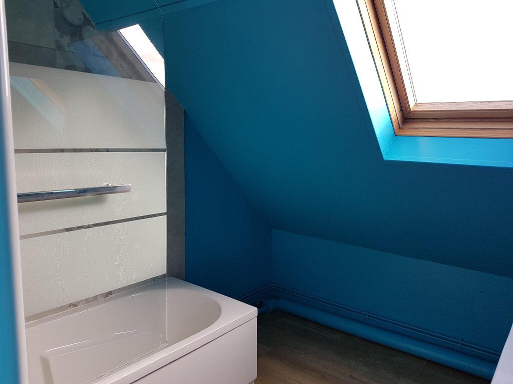 Appartement à louer 4 70m2 à Aire-sur-la-Lys vignette-8