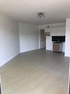 Appartement à louer 2 56m2 à Armentières vignette-1