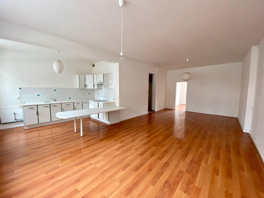 Appartement à louer 2 73m2 à Armentières vignette-1