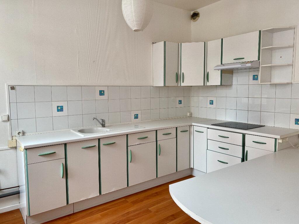 Appartement à louer 2 73m2 à Armentières vignette-2