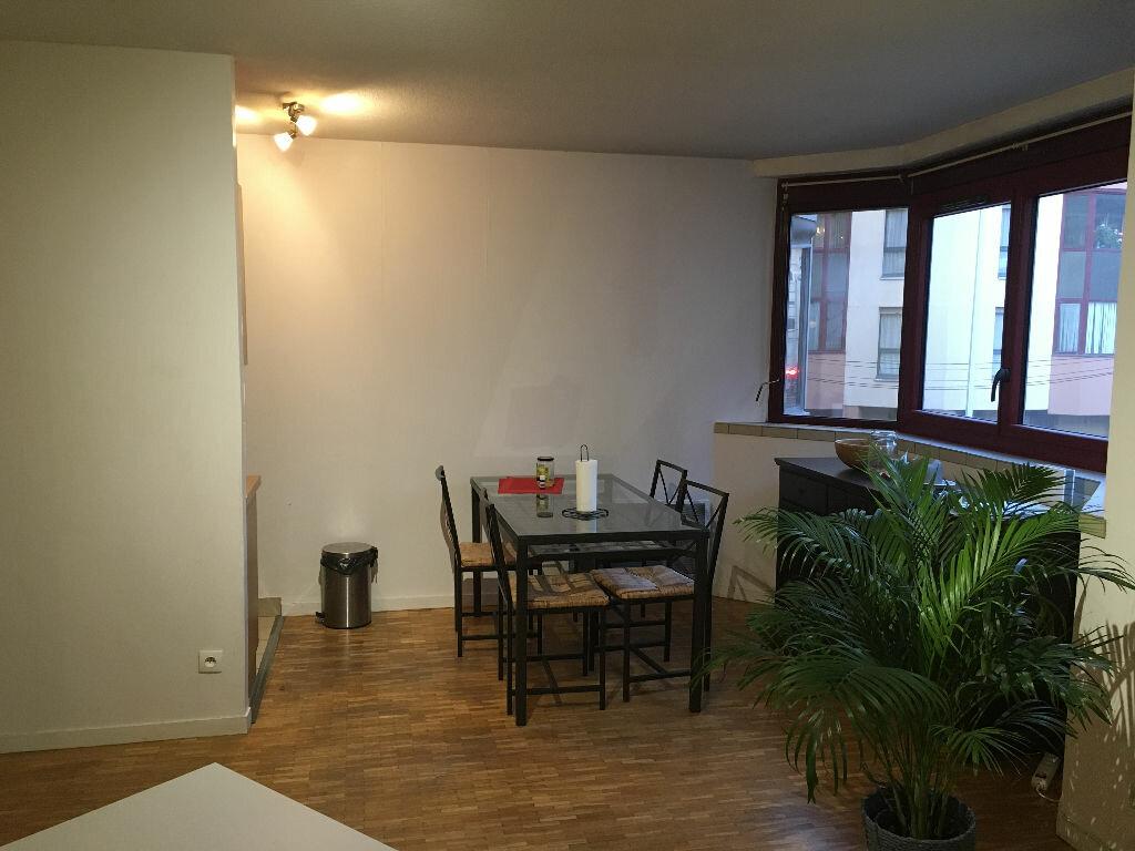 Appartement à louer 2 45.6m2 à Lyon 3 vignette-3