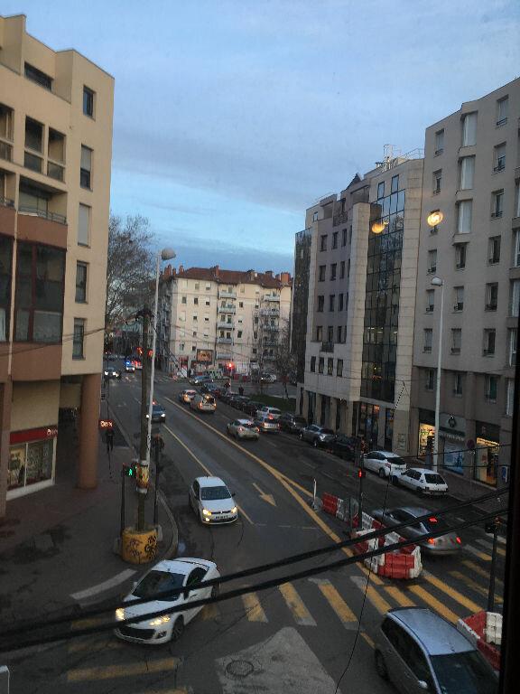 Appartement à louer 2 45.6m2 à Lyon 3 vignette-13