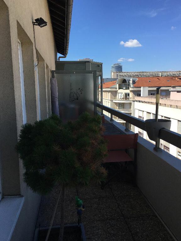 Appartement à louer 2 76.06m2 à Lyon 3 vignette-13