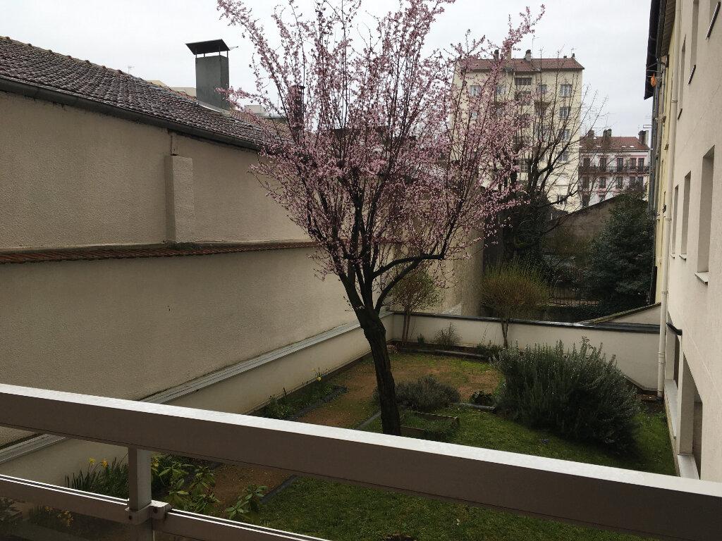 Appartement à louer 2 58.05m2 à Lyon 3 vignette-11