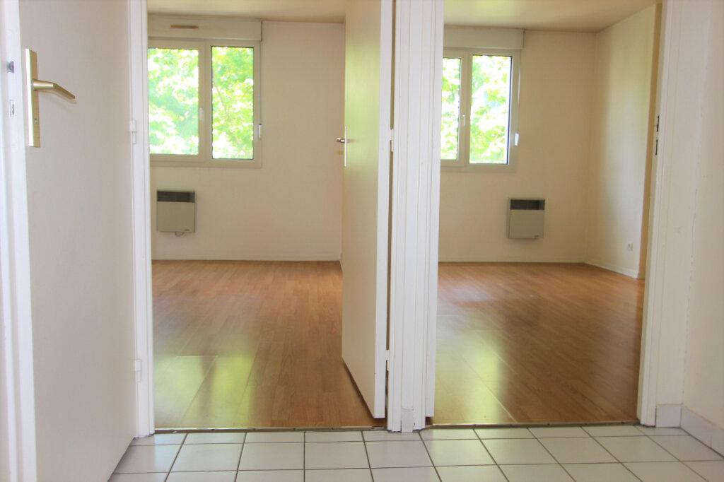 Appartement à vendre 4 84.11m2 à Villeurbanne vignette-5