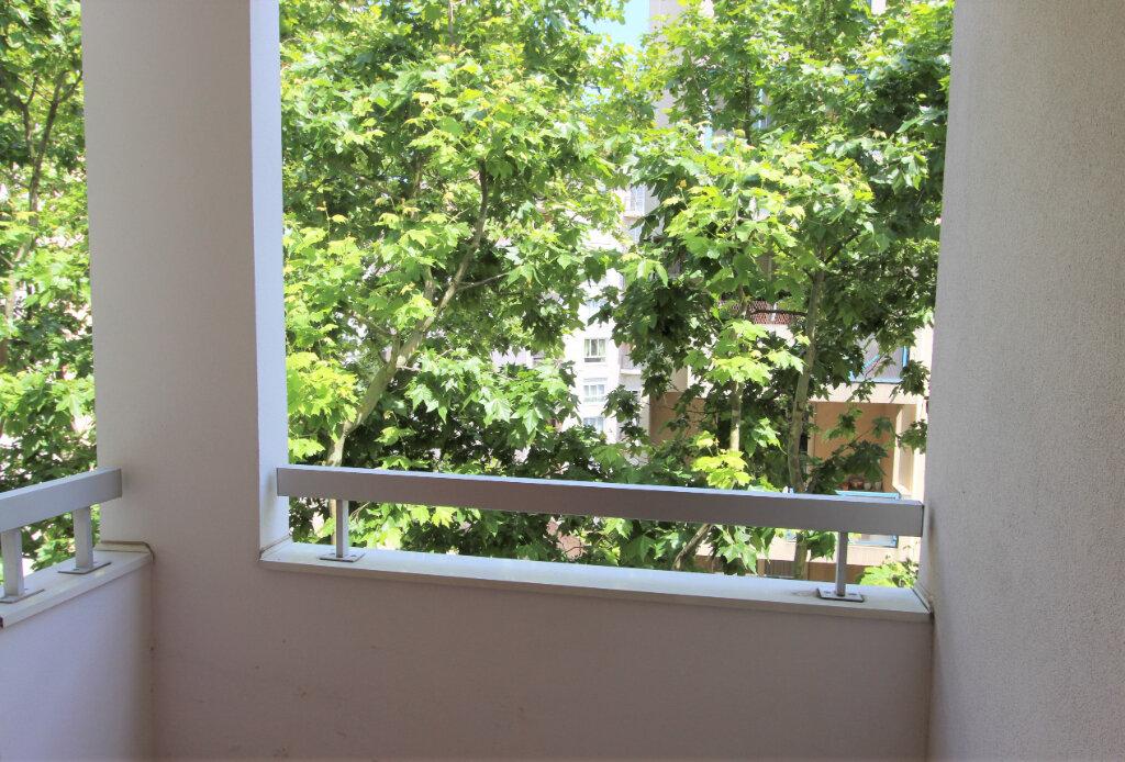 Appartement à vendre 4 84.11m2 à Villeurbanne vignette-7