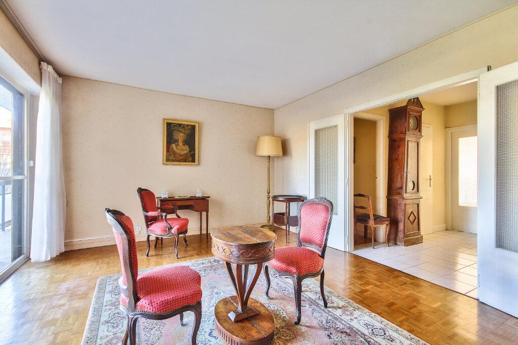 Appartement à vendre 6 143.6m2 à Lyon 3 vignette-1