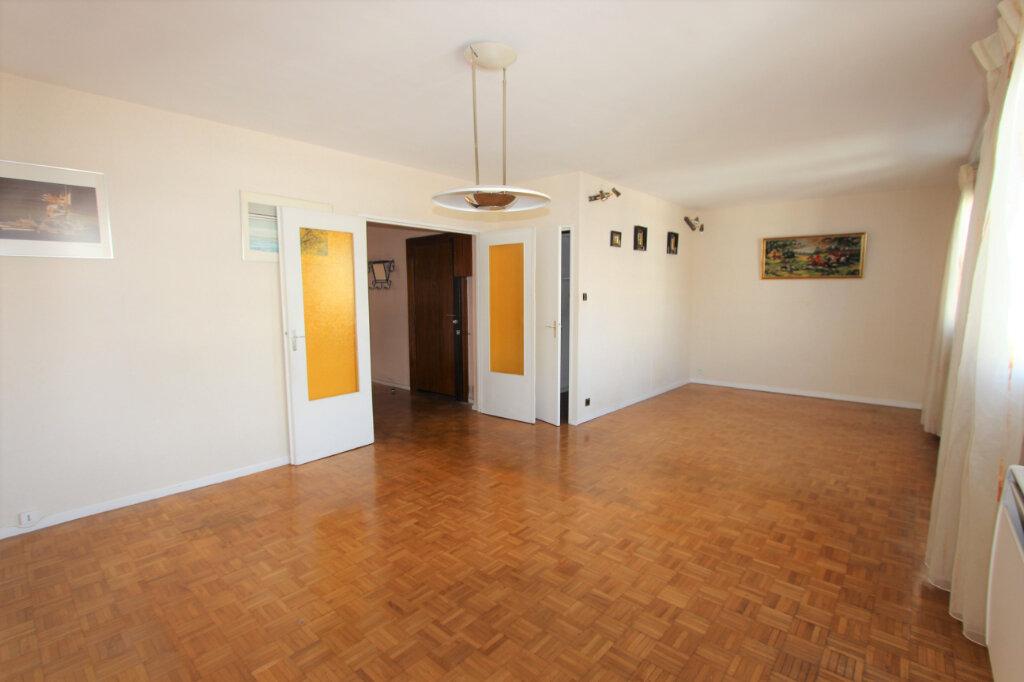 Appartement à vendre 4 75.04m2 à Lyon 3 vignette-2