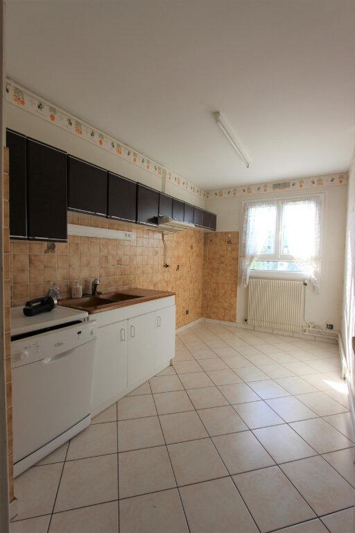 Appartement à vendre 4 75.04m2 à Lyon 3 vignette-3
