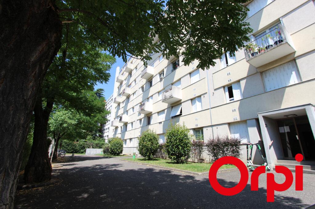 Appartement à vendre 4 75.04m2 à Lyon 3 vignette-7
