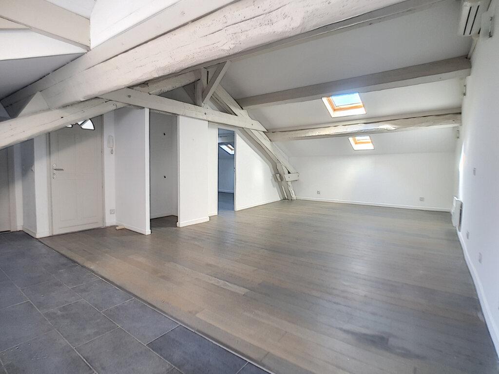 Appartement à louer 2 56.23m2 à Cannes vignette-1