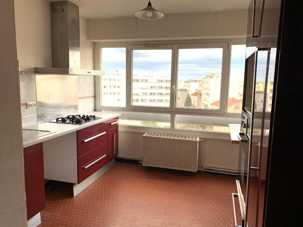 Appartement à vendre 5 102m2 à Lyon 7 vignette-2