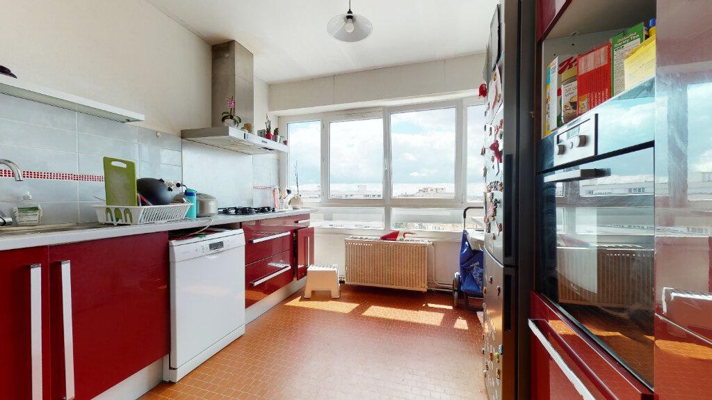 Appartement à vendre 5 102m2 à Lyon 7 vignette-3