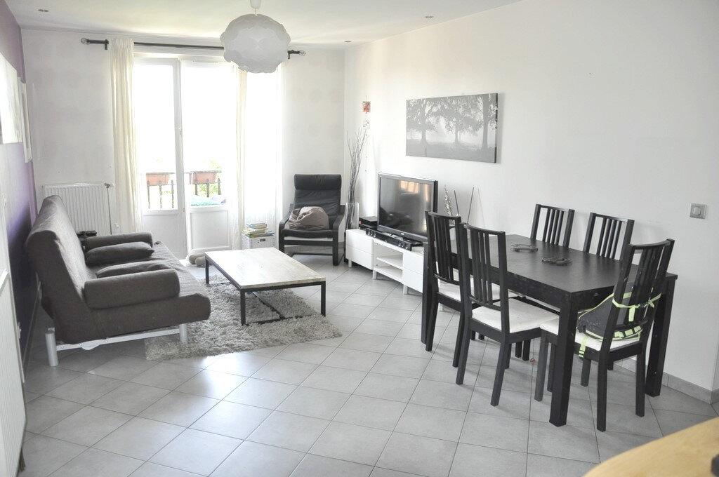 Appartement à louer 3 66m2 à Bron vignette-4